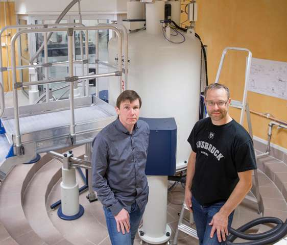 Ionic liquids to extract molecules from wood